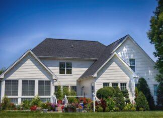 house-garden-backyard
